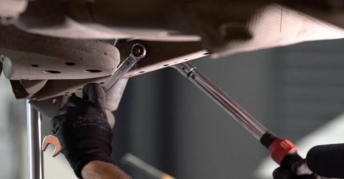 Wie schwer ist es, selbst zu reparieren: Federn Nissan Qashqai j10 2.0 Allrad 2012 Tausch - Downloaden Sie sich illustrierte Anleitungen