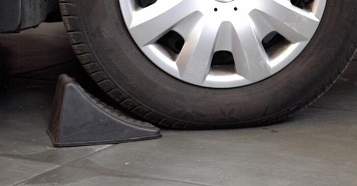 Wie Bremsbeläge VW PASSAT Variant (3B6) 1.8 T 20V 2001 austauschen - Schrittweise Handbücher und Videoanleitungen