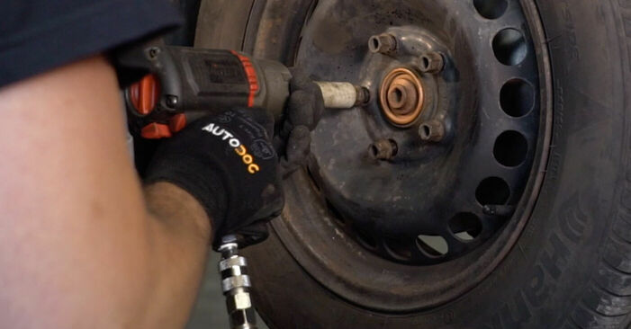 VW PASSAT 1.8 T 20V Bremsbeläge ausbauen: Anweisungen und Video-Tutorials online