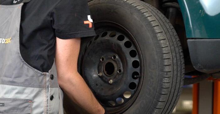 Hvordan man fjerner VW PASSAT 1.6 2004 Styrekugle - nem at følge online instruktioner