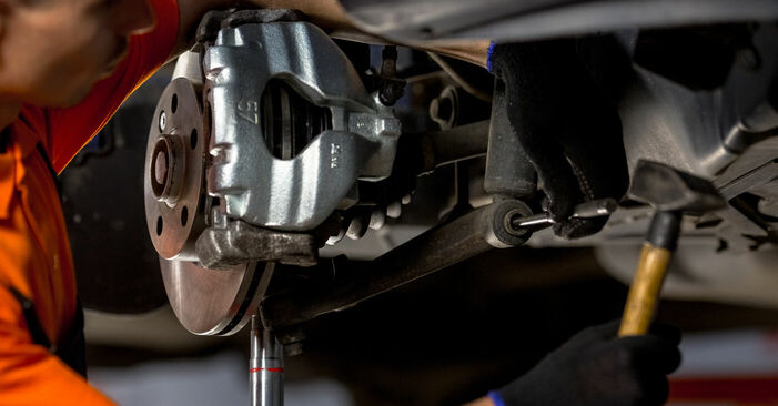 Koppelstange beim VW TRANSPORTER 2.4 D 1997 selber erneuern - DIY-Manual