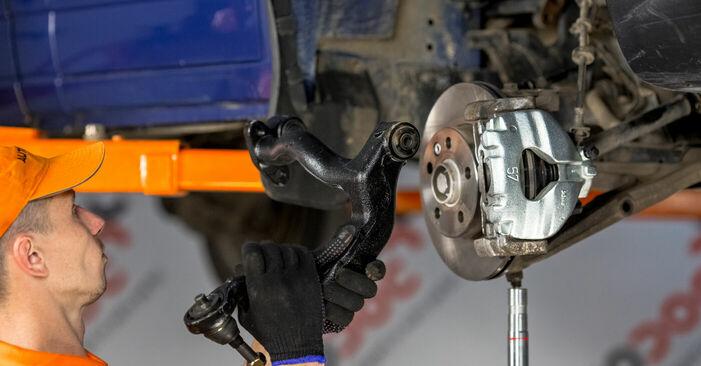 Devi sapere come rinnovare Braccio Oscillante su VW TRANSPORTER ? Questo manuale d'officina gratuito ti aiuterà a farlo da solo