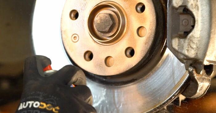 Sostituzione di VW TRANSPORTER 1.9 TD Braccio Oscillante: guide online e tutorial video