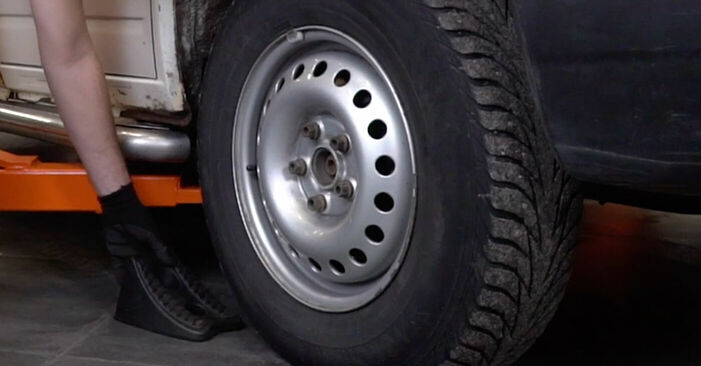 How to replace VW TRANSPORTER IV Bus (70XB, 70XC, 7DB, 7DW) 2.5 TDI 1991 Brake Discs - step-by-step manuals and video guides