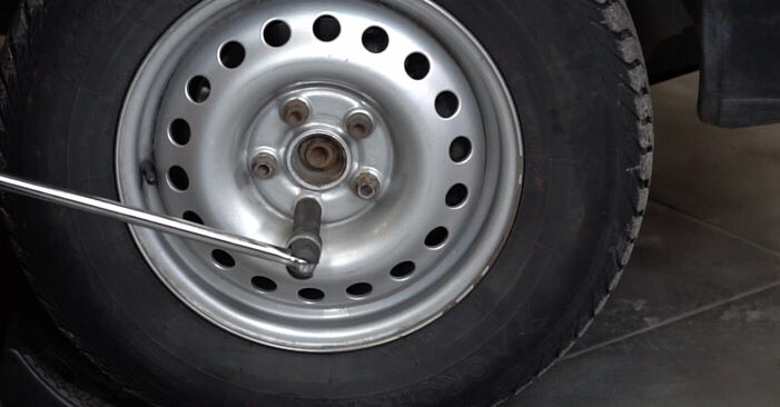 VW TRANSPORTER IV Bus (70XB, 70XC, 7DB, 7DW) 2.4 D 1992 Brake Discs replacement: free workshop manuals