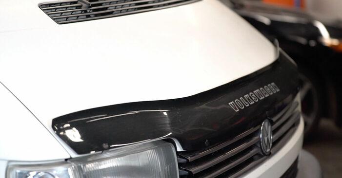 Austauschen Anleitung Bremsbeläge am VW TRANSPORTER IV Bus (70XB, 70XC, 7DB, 7DW) 2000 2.5 TDI selbst