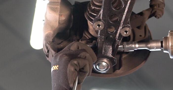 Как се сменя Носач На Кола на FIAT PUNTO (188) 1.9 JTD 80 2002 самостоятелно