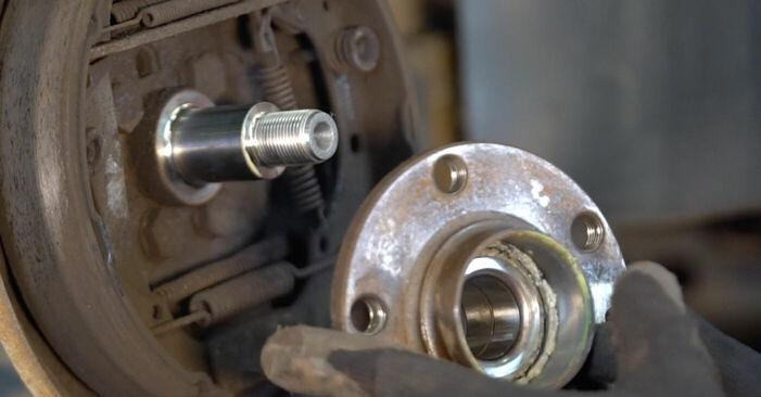 Substituindo Rolamento da Roda em Polo 9n 2011 1.4 16V por si mesmo