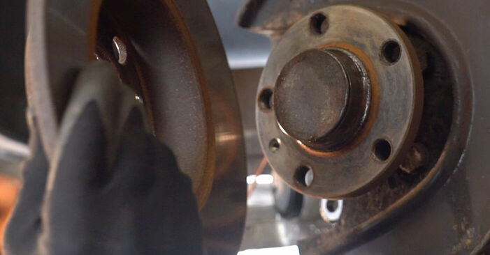 Zweckdienliche Tipps zum Austausch von Bremsscheiben beim VW Golf IV Schrägheck (1J1) 1.6 16V 2002