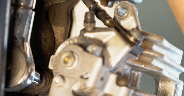 Bremsscheiben am VW Golf IV Schrägheck (1J1) 2.0 2002 wechseln – Laden Sie sich PDF-Handbücher und Videoanleitungen herunter