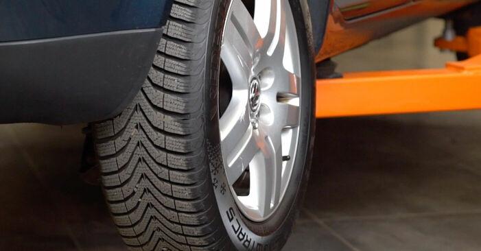 Wechseln Bremsscheiben am VW Golf IV Schrägheck (1J1) 1.9 TDI 2000 selber
