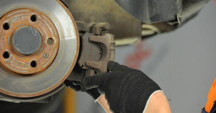 VW POLO 2008 Remschijven stap voor stap instructies voor vervanging
