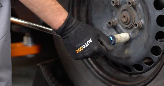 Hoe Remschijven VW POLO (9N_) 1.4 16V 2002 vervangen – stap voor stap leidraden en video-tutorials