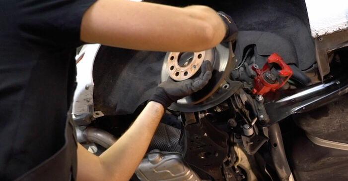 Byta VW GOLF VI (5K1) 1.4 TSI 2003 Bromsskivor – gör det själv med onlineguide