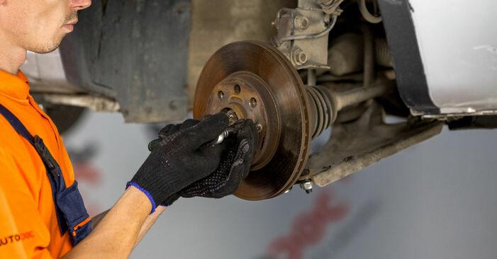Wie schwer ist es, selbst zu reparieren: Radlager Opel Corsa C 1.7 DI (F08, F68) 2006 Tausch - Downloaden Sie sich illustrierte Anleitungen