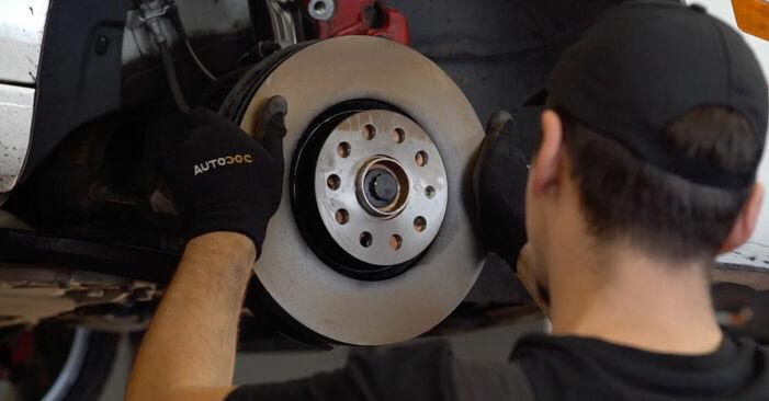 VW GOLF VI (5K1) 2007 Bremsscheiben - Anleitung zum selber Austauschen