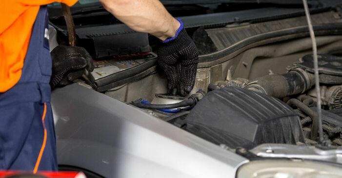 Wie schwer ist es, selbst zu reparieren: Domlager Opel Corsa C 1.7 DI (F08, F68) 2006 Tausch - Downloaden Sie sich illustrierte Anleitungen