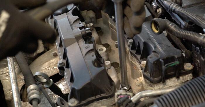 Remplacer Bougies d'Allumage sur Peugeot 206 cc 2d 2008 1.6 16V par vous-même