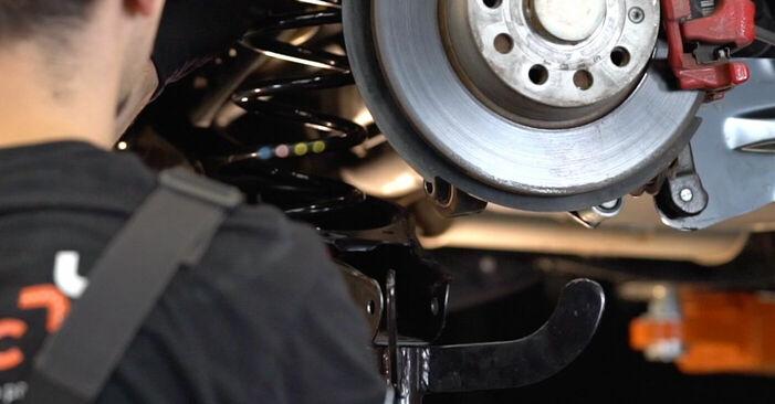 Înlocuirea VW GOLF 1.4 TSI Amortizor: ghidurile online și tutorialele video