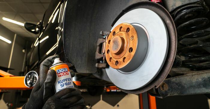 Wie Bremsbeläge VW TOURAN (1T3) 2.0 TDI 2011 austauschen - Schrittweise Handbücher und Videoanleitungen