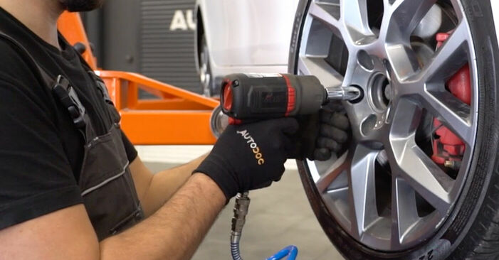 Byt VW GOLF 1.4 TSI Hjullager: guider och videoinstruktioner online