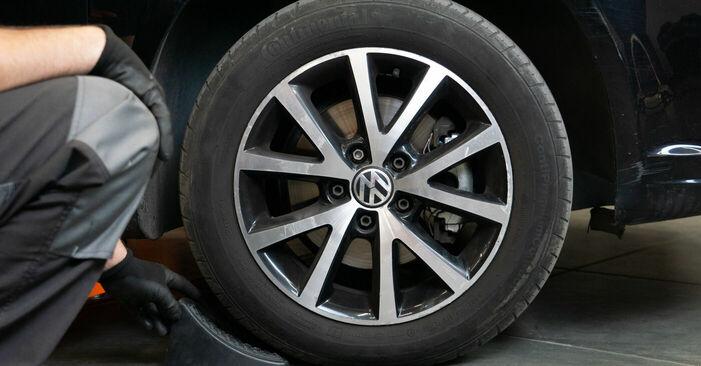 Cómo reemplazar Discos de Freno en un VW TOURAN (1T3) 1.6 TDI 2011 - manuales paso a paso y guías en video