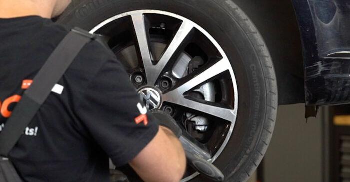 Cómo quitar Discos de Freno en un VW TOURAN 1.2 TSI 2014 - instrucciones online fáciles de seguir