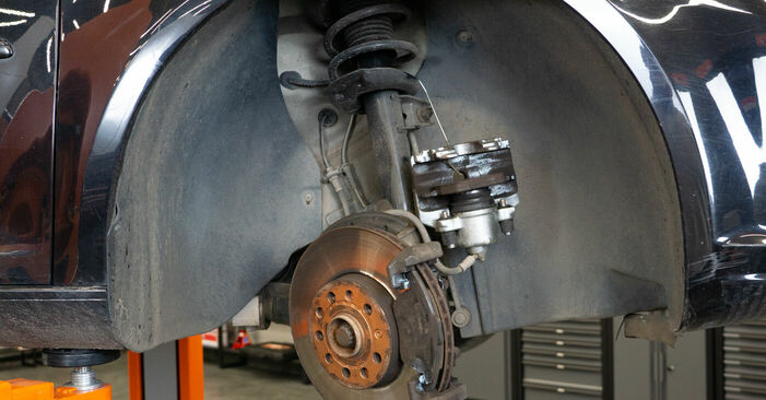 Replacing Brake Pads on Touran 1t3 2014 1.6 TDI by yourself
