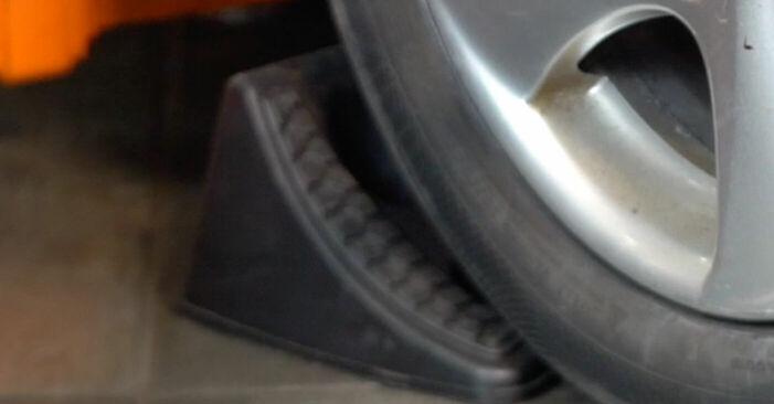 Wie Bremsbeläge PEUGEOT 206 CC (2D) 2.0 S16 1999 austauschen - Schrittweise Handbücher und Videoanleitungen