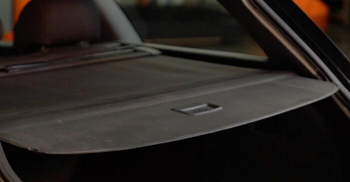 Wie Heckklappendämpfer Audi A4 B6 Avant 1.9 TDI 2001 tauschen - Kostenlose PDF- und Videoanleitungen
