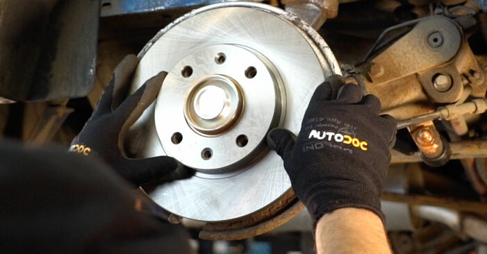 Replacing Wheel Bearing on Peugeot 206 cc 2d 2008 1.6 16V by yourself
