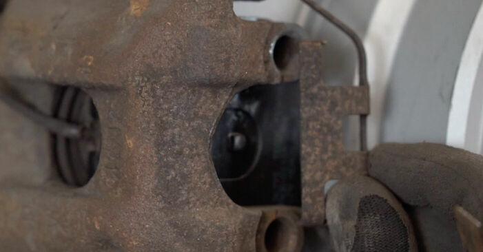 Comment changer Disques De Frein sur BMW X5 (E53) 2004 - trucs et astuces