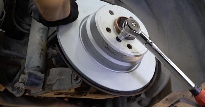 Combien de temps dure le remplacement : Disques De Frein sur BMW E53 2000 - manuel PDF informatif