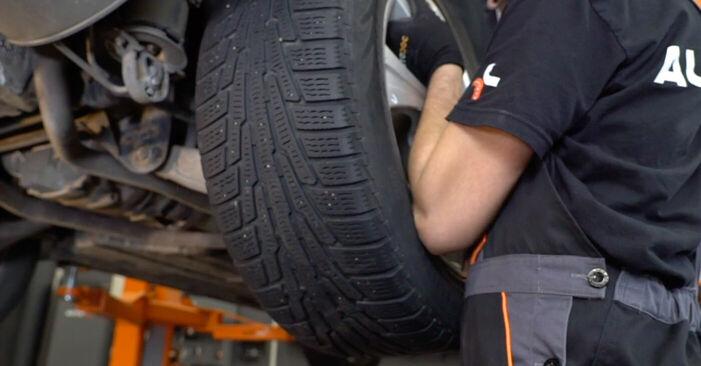Austauschen Anleitung Bremsbeläge am BMW E53 2002 3.0 d selbst