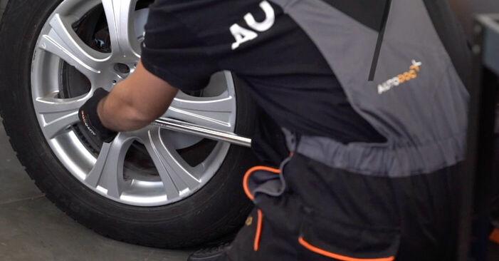 Jak vyměnit Brzdové Destičky na BMW X5 (E53) 2004 - tipy a triky
