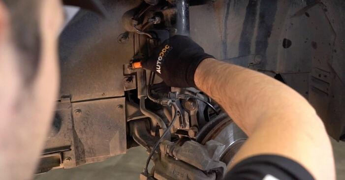 Wie schwer ist es, selbst zu reparieren: Bremsschläuche Mercedes W168 A 160 CDI 1.7 (168.006) 2003 Tausch - Downloaden Sie sich illustrierte Anleitungen
