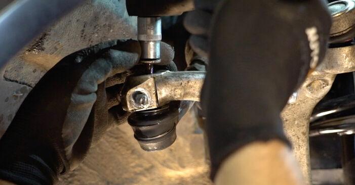 Spurstangenkopf beim AUDI A4 S4 4.2 quattro 2002 selber erneuern - DIY-Manual