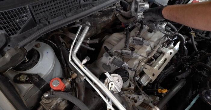 Schritt-für-Schritt-Anleitung zum selbstständigen Wechsel von Nissan Qashqai j10 2011 1.6 dCi Zündkerzen