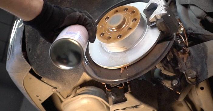 Substituição de Toyota Rav4 II 2.0 4WD (ACA21, ACA20) 2002 Pastilhas De Travão: manuais gratuitos de oficina