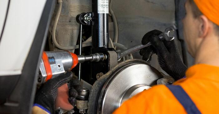 Schimbare Toyota Rav4 II 2.0 4WD (ACA21, ACA20) 2002 Arc spirala: manualele de atelier gratuite