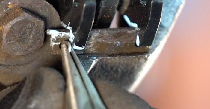 Svépomocná výměna Brzdovy kotouc na autě Peugeot 206 cc 2d 2008 1.6 16V
