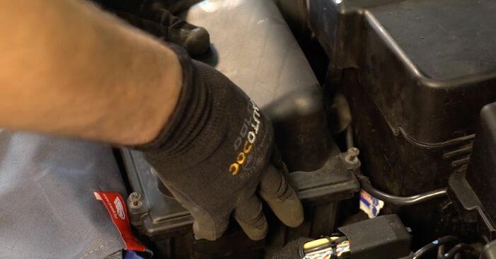 PEUGEOT 206 2.0 S16 Luftfilter ausbauen: Anweisungen und Video-Tutorials online