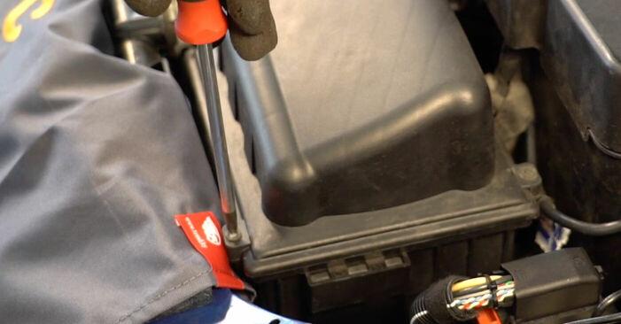 Luftfilter Peugeot 206 cc 2d 1.6 HDi 110 2000 wechseln: Kostenlose Reparaturhandbücher