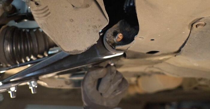 Wie schwer ist es, selbst zu reparieren: Querlenker Renault Clio 2 1.6 16V 2004 Tausch - Downloaden Sie sich illustrierte Anleitungen