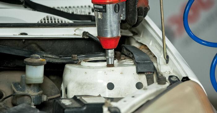 Austauschen Anleitung Domlager am Toyota Rav4 II 2004 2.0 D 4WD (CLA20_, CLA21_) selbst