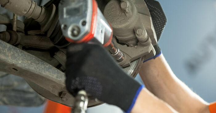 Wie schwer ist es, selbst zu reparieren: Bremsscheiben Toyota Rav4 II 2.4 4WD (ACA23, ACA22) 2000 Tausch - Downloaden Sie sich illustrierte Anleitungen