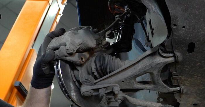 Comment changer Disques De Frein sur Renault Kangoo kc01 1997 - Manuels PDF et vidéo gratuits