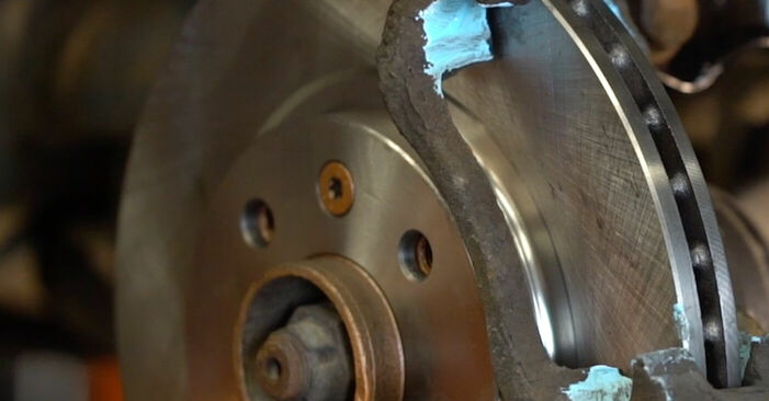 Schritt-für-Schritt-Anleitung zum selbstständigen Wechsel von Renault Kangoo kc01 2010 1.2 16V Bremsbeläge