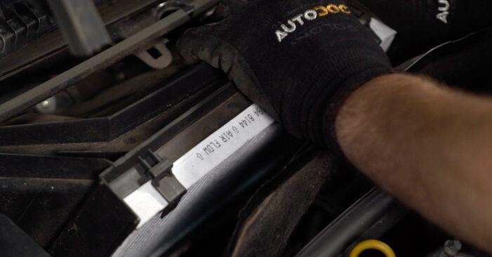 Innenraumfilter Ihres Opel Corsa C 1.4 Twinport (F08, F68) 2008 selbst Wechsel - Gratis Tutorial