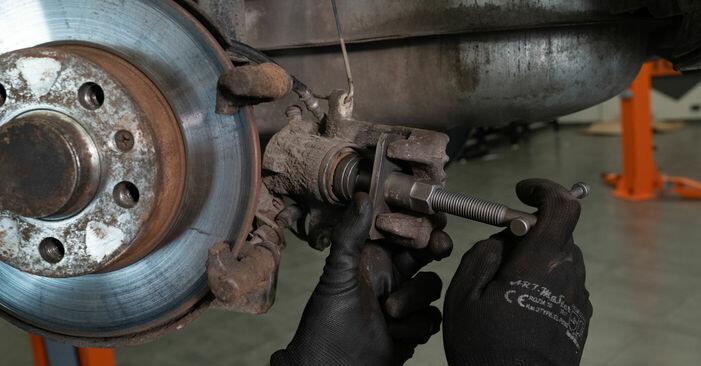 Tausch Tutorial Bremsbeläge am AUDI A3 (8L1) 2000 wechselt - Tipps und Tricks